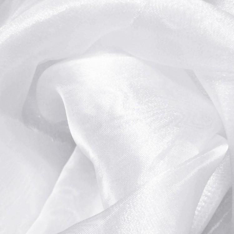 Organza de type cristal et de couleur blanche