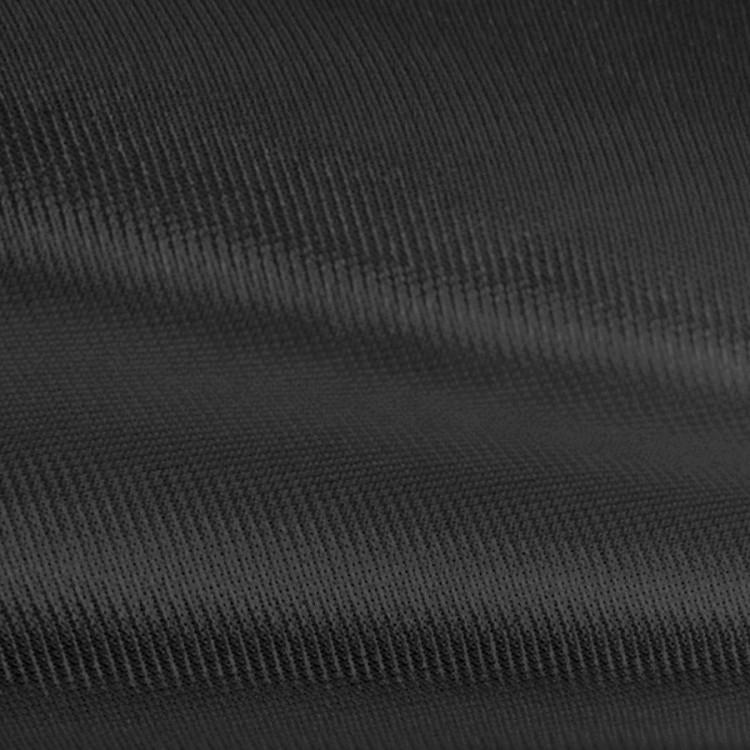 Satin noir au rouleau