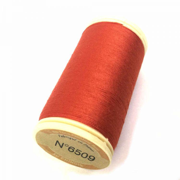 Fil à coudre coton rouge