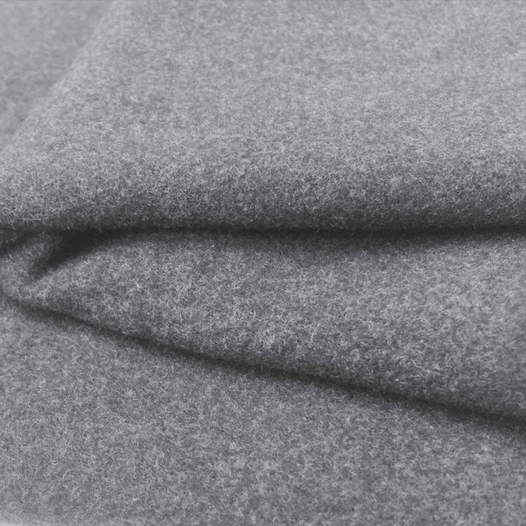 Drap manteau gris clair